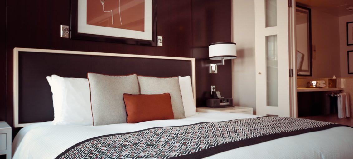 חדר עם מיטה